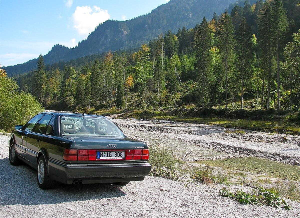 Der Audi V8 erholt sich gerne in den Lechtaler Alpen.
