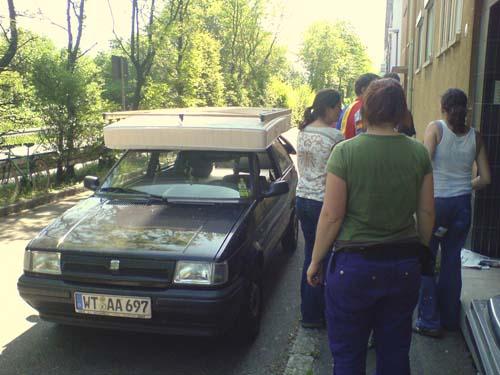 Mit unseren alten Karren transportierten wir alles - einfach alles