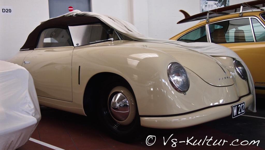 Insgesamt 52 Fahrzeuge baute Porsche 1948/1949 im österreichischen Gmünd. Dieser hier ist der zwölfte je gebaute Porsche 356.