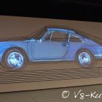 Die Darstellung der Porsche-DNA zeigt: Nahezu alle Modelle folgen konsequent einem Design.