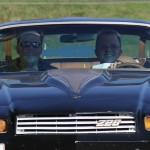 Nicht nur gemeinsam schrauben macht glücklich: Ole und Knut drehen auch gern eine Runde in Knuts Camaro.