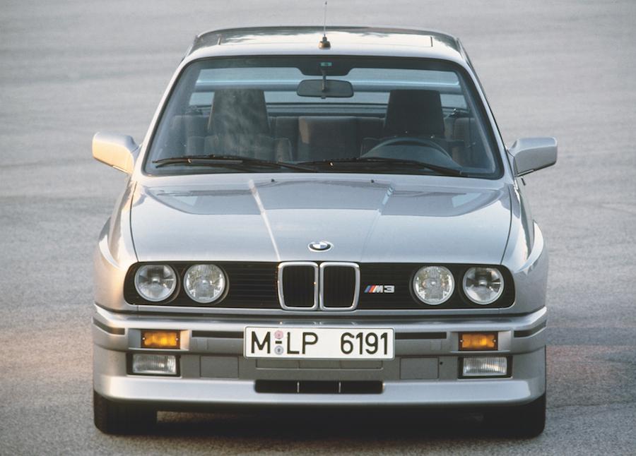 Der BMW M3 der ersten Generation dominiert über fünf Jahre den internationalen Tourenwagensport und ist bis heute der erfolgreichste Tourenwagen überhaupt.