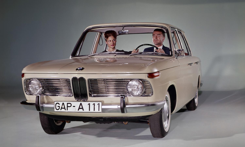 """Mit dem BMW 1500, dem ersten Modell der """"Neuen Klasse"""", trifft BMW die Bedürfnisse des aufstrebenden Mittelstands."""