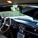 Die Sonnenblenden im Aston Martin DB6 sind transparent - wie übergroße Sonnenbrillen.